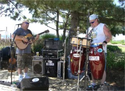 Dave and Sticks On The Beach  - Dirty Dave's Tiki Bar - Kentmorr Marina